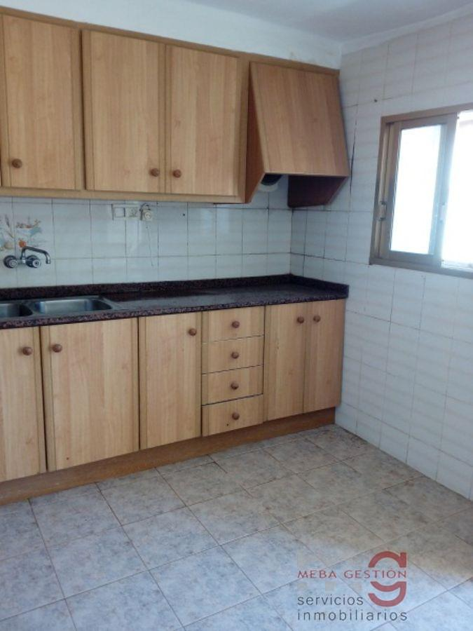 For sale of house in Ribesalbes