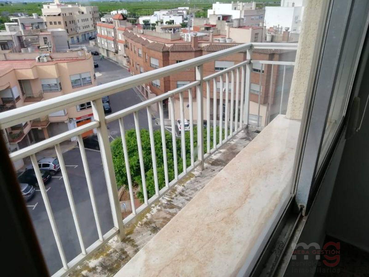 For sale of flat in Villavieja
