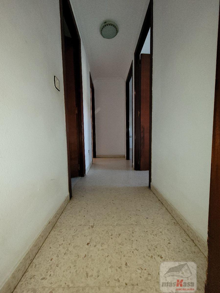 For sale of flat in Los Palacios y Villafranca