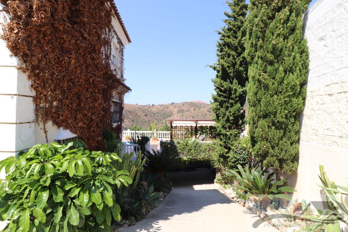 For sale of chalet in Rincón de la Victoria
