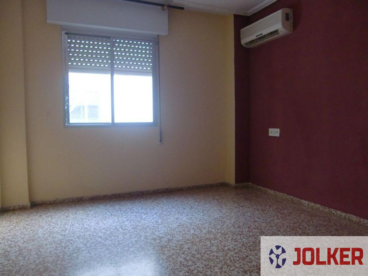 For sale of flat in Burriana