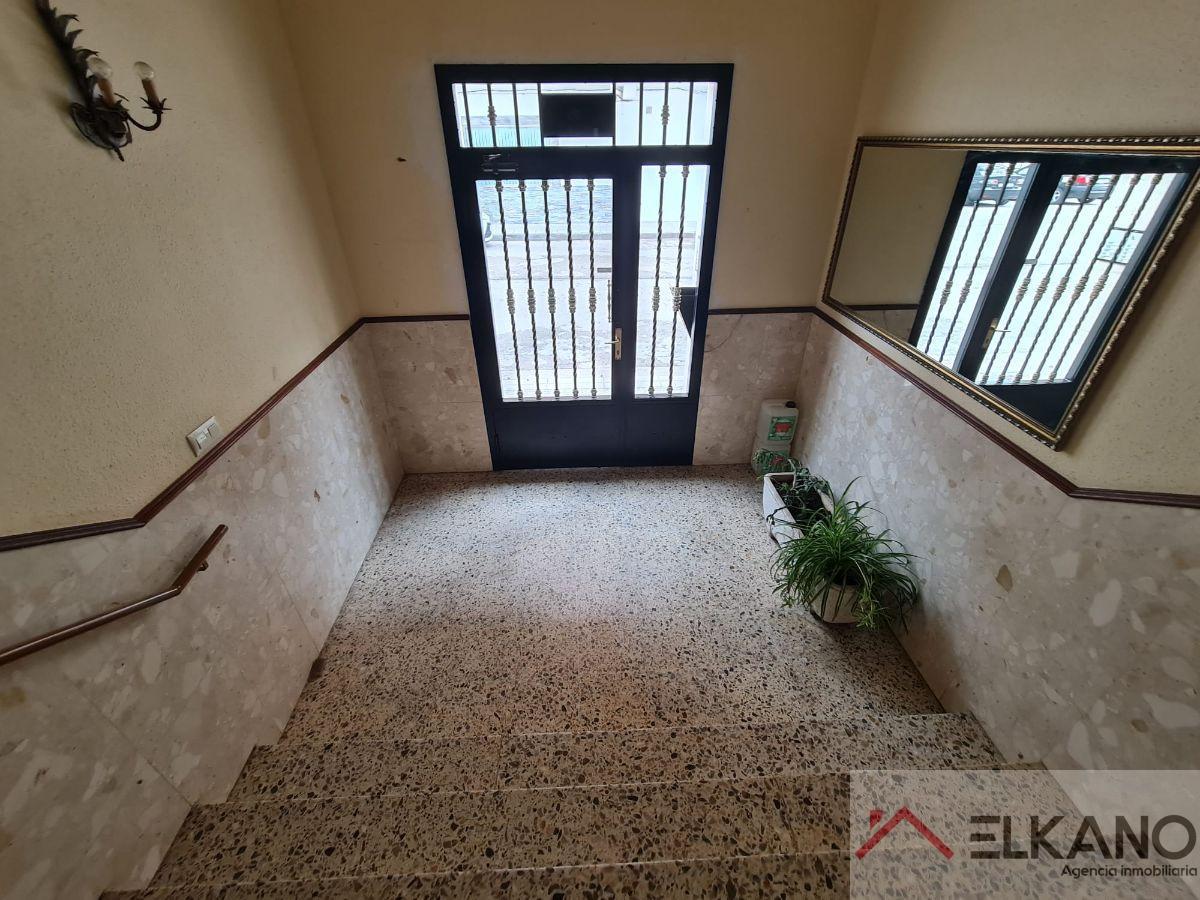For sale of flat in Medina de Pomar