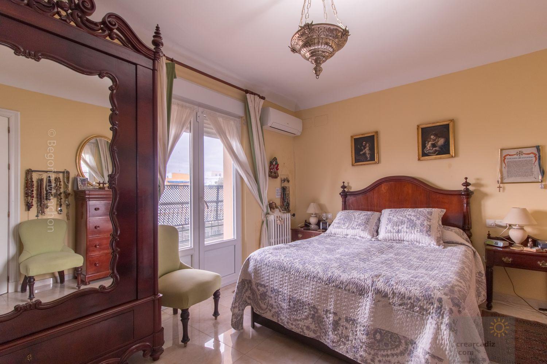 For sale of flat in Cádiz
