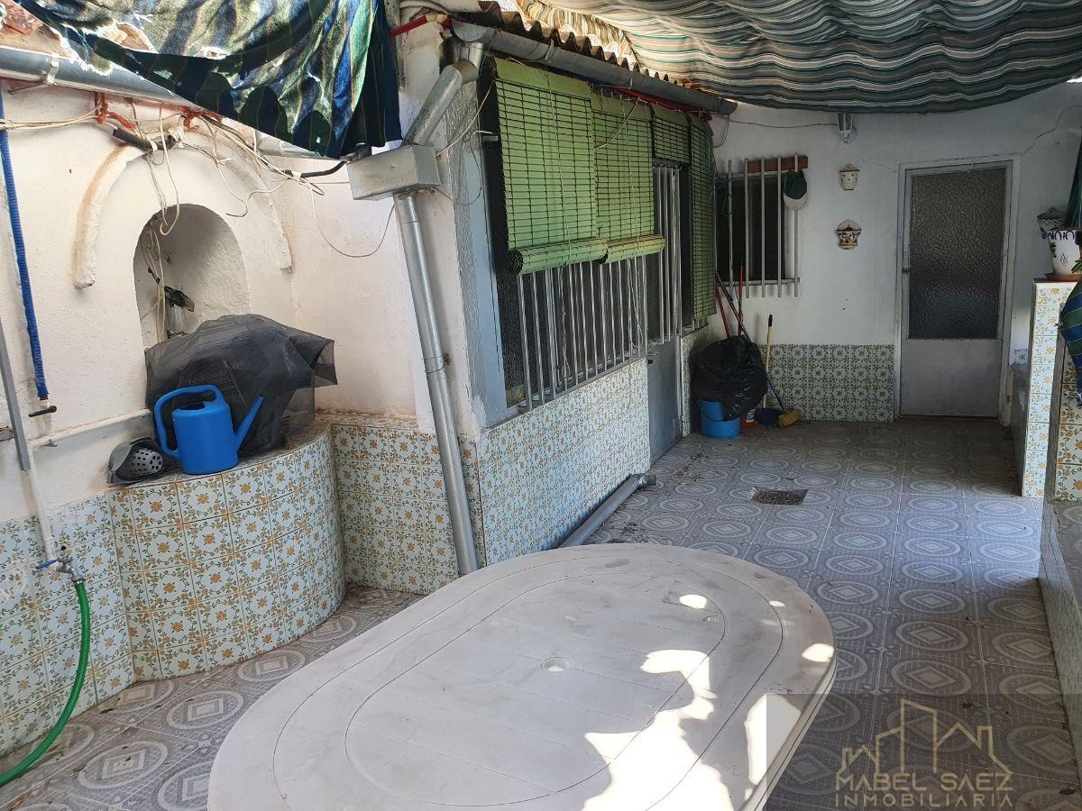 For sale of house in Azuaga