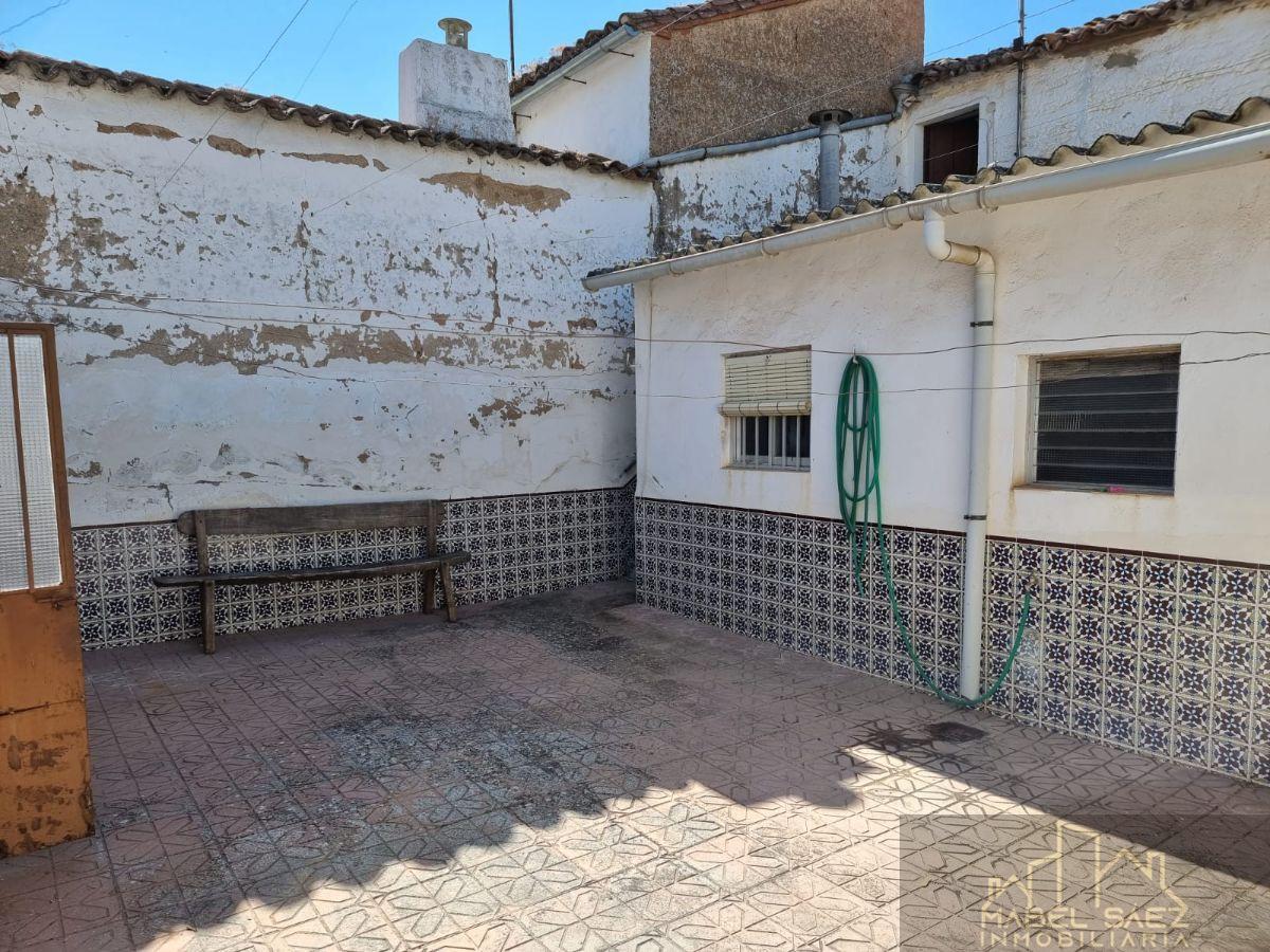 For sale of house in Granja de Torrehermosa