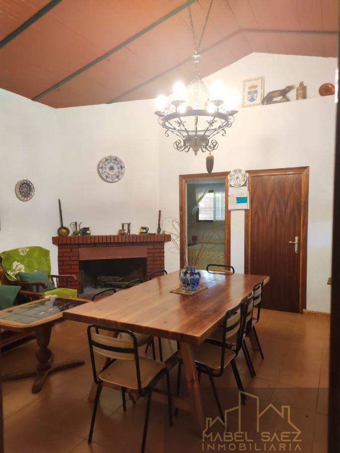 For sale of rural property in Malcocinado
