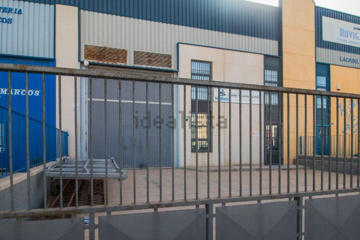 For sale of industrial plant/warehouse in La unión