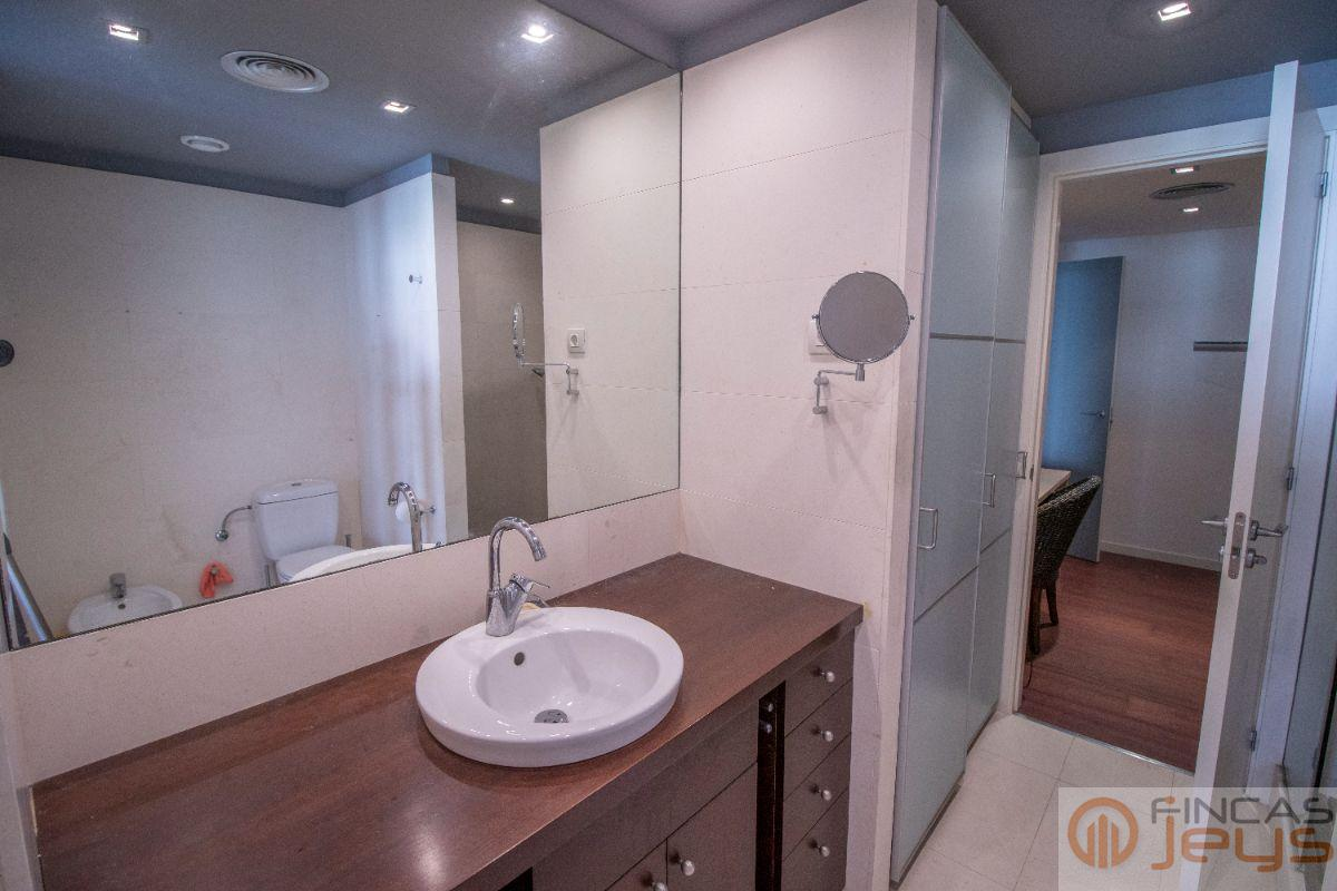 For sale of apartment in Calafell