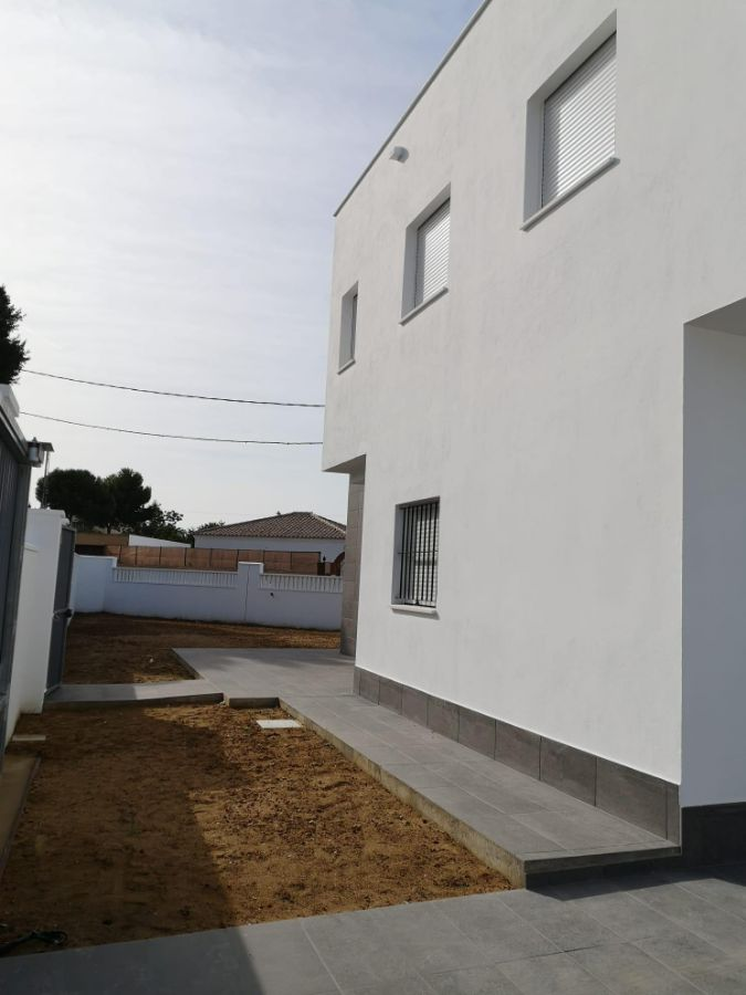 For sale of chalet in Chiclana de la Frontera