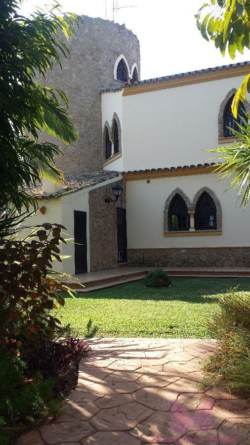 For sale of villa in Chiclana de la Frontera