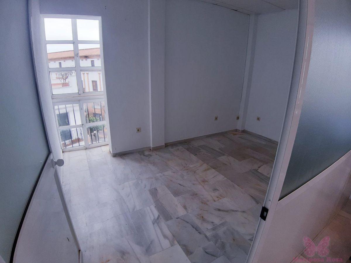 For rent of commercial in Chiclana de la Frontera