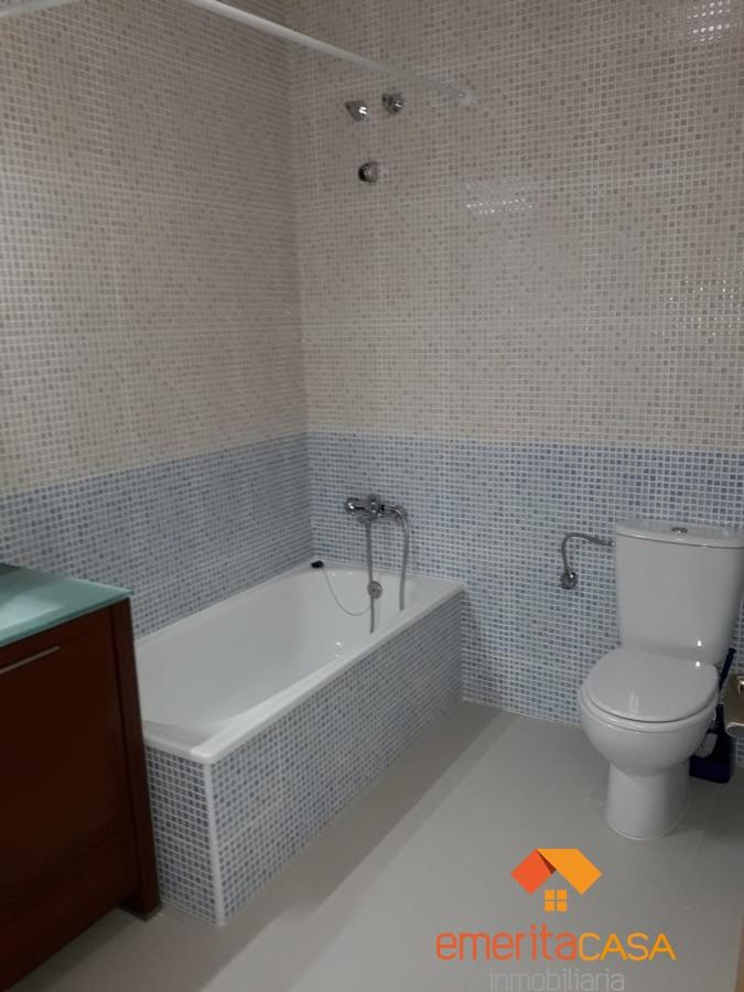 For sale of chalet in Mirandilla