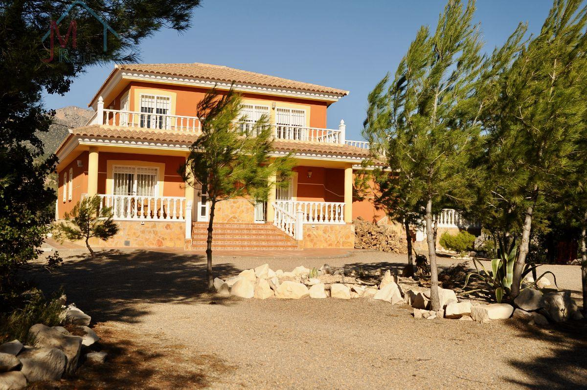 For sale of villa in Lorca