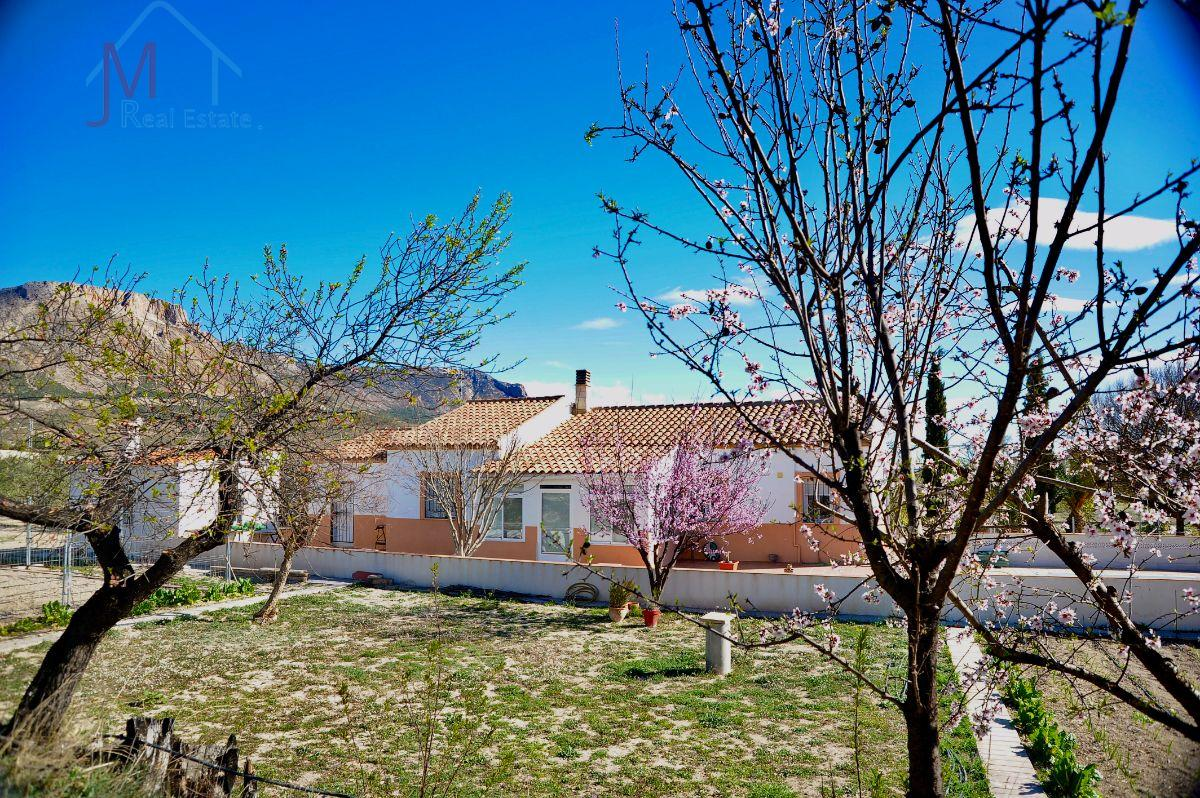 For sale of villa in Vélez-Blanco
