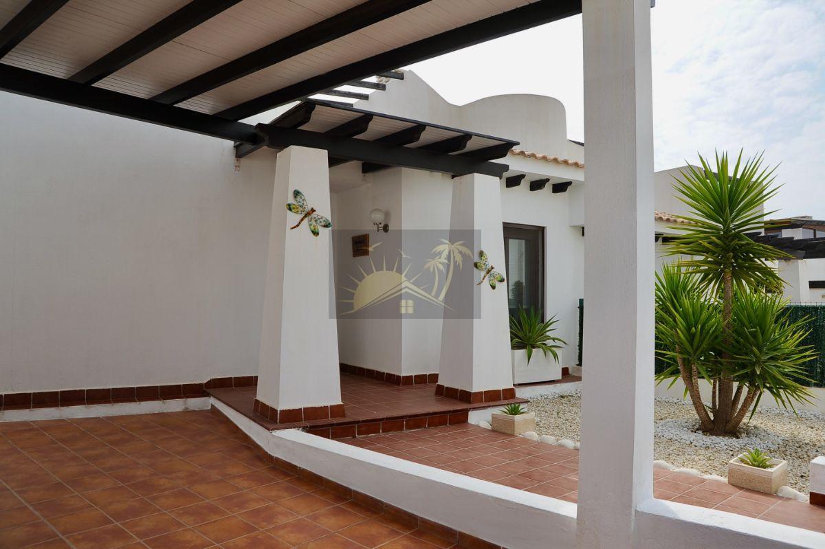Verkoop van kleine villa  in Vera