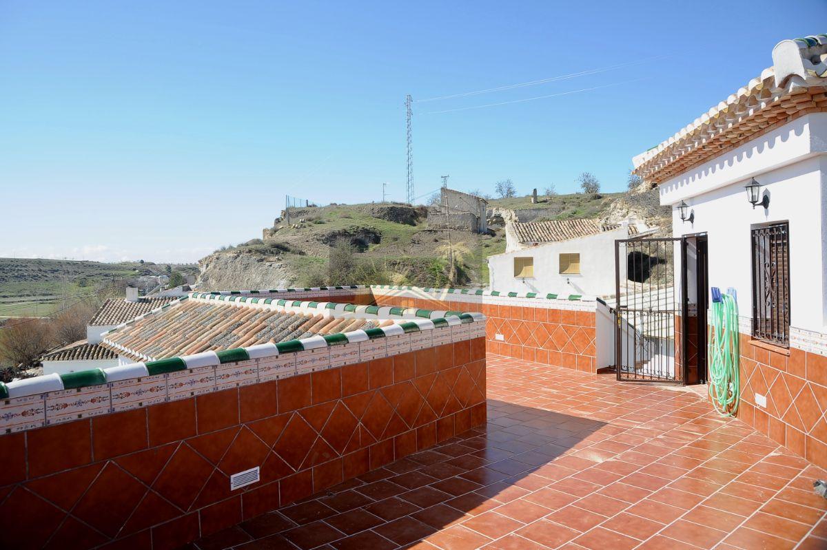 For sale of hotel in Cúllar Vega