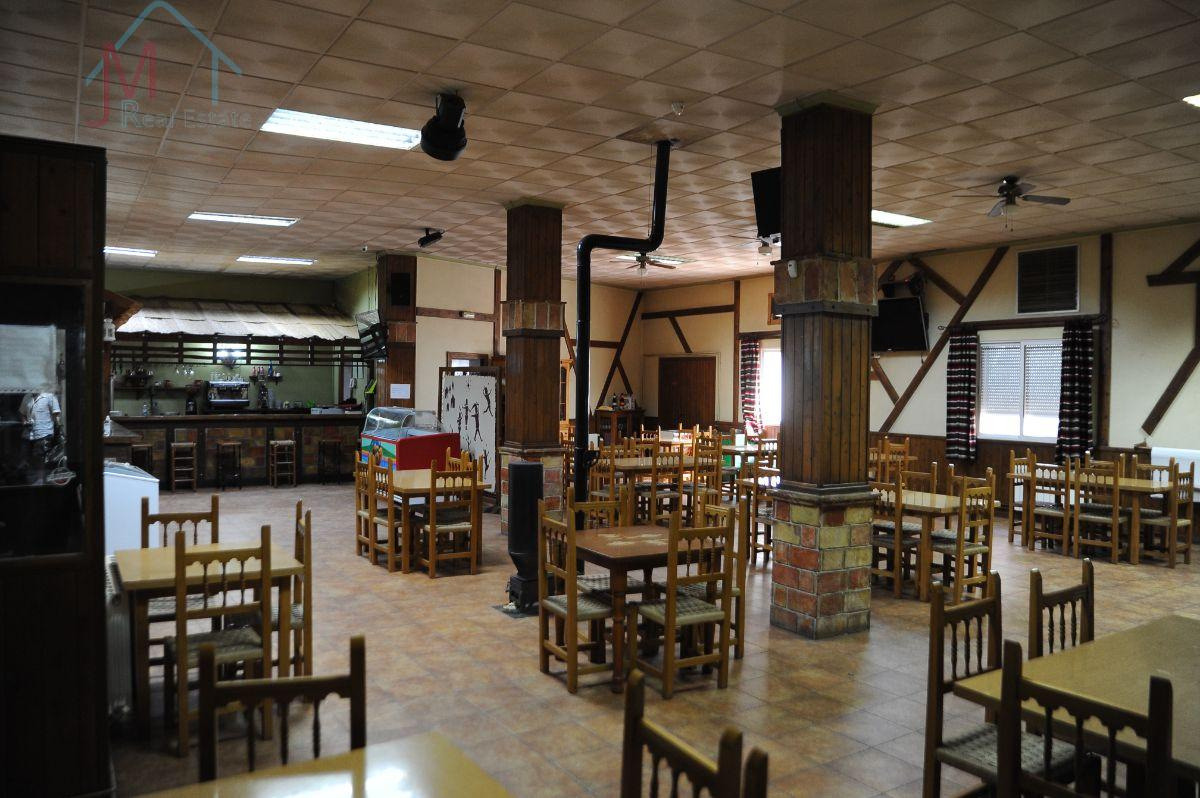 For rent of commercial in Vélez-Blanco