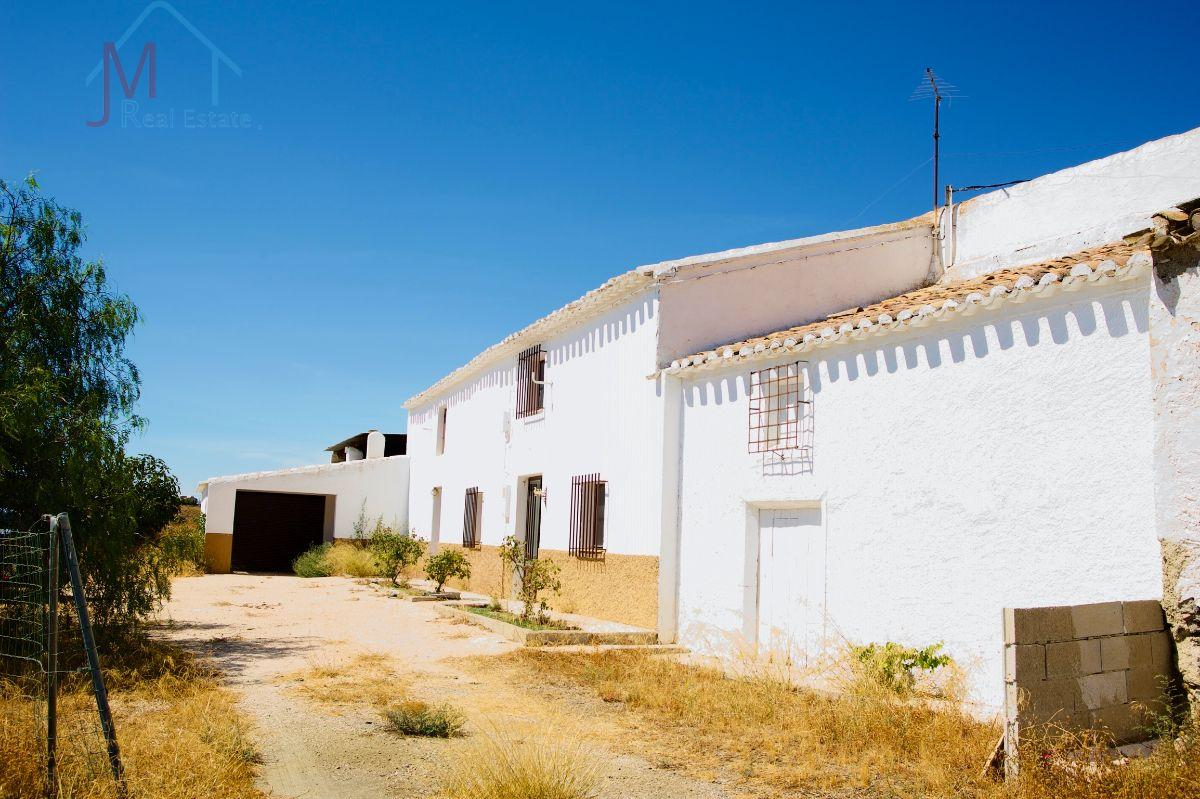 For sale of rural property in Vélez-Rubio