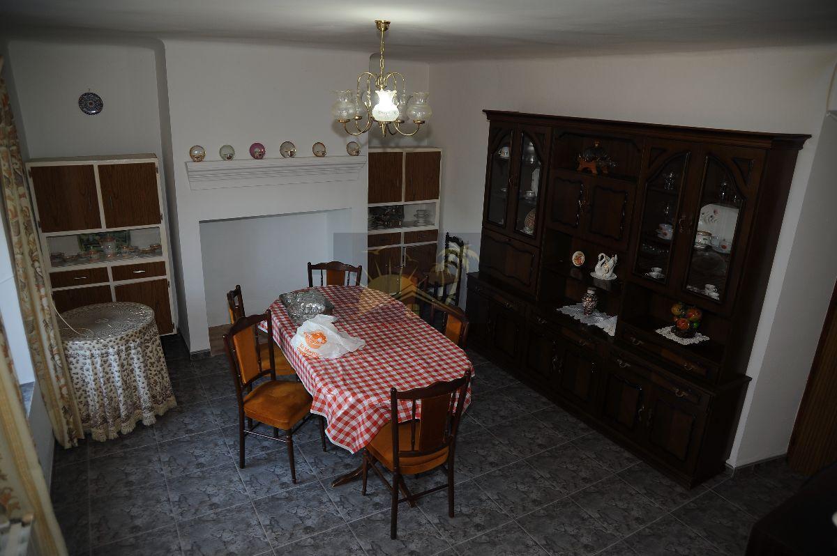 Myynti  from  maalaistalo  sisään   Chirivel