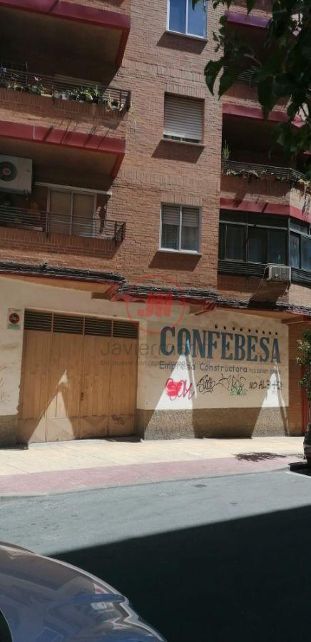 For sale of commercial in Cáceres
