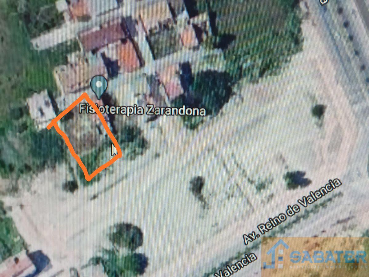 For sale of land in Zarandona