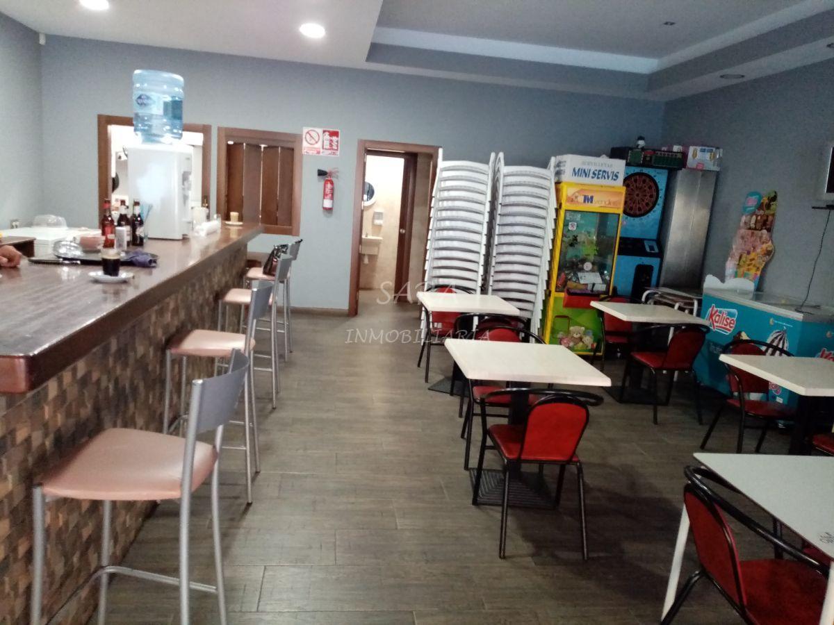 Venta de local comercial en Roquetas de Mar
