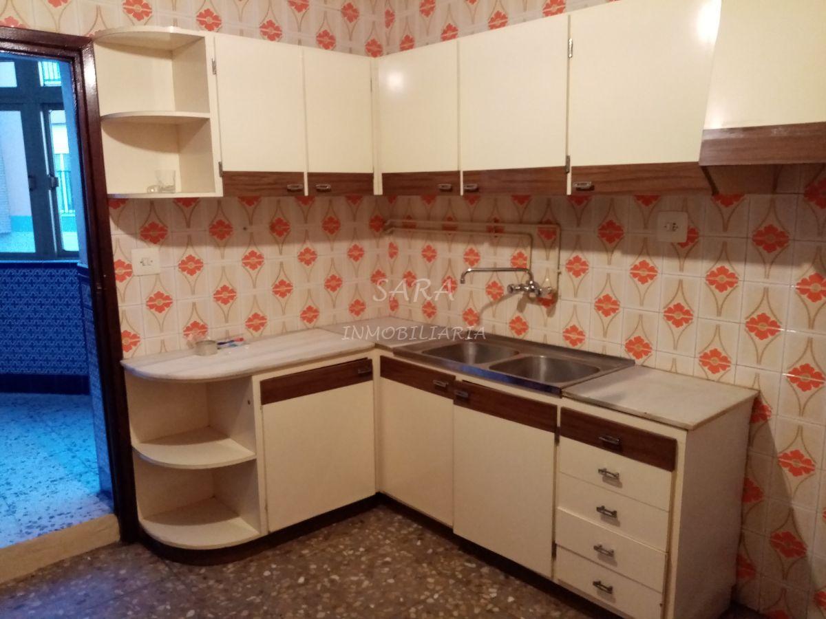 For sale of house in Roquetas de Mar