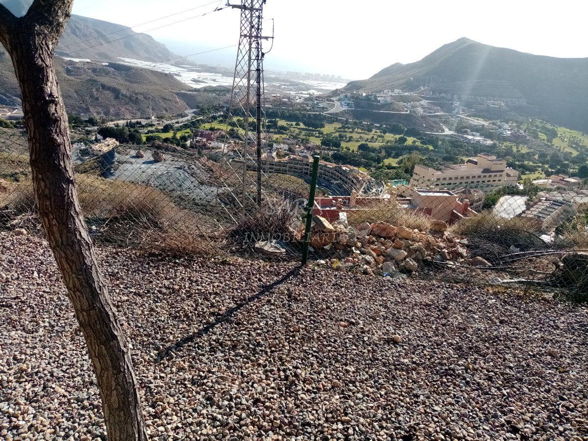 Venta de terreno en Vícar
