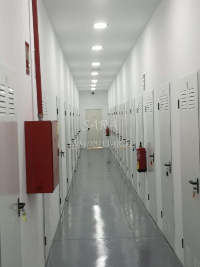 For rent of storage room in Roquetas de Mar
