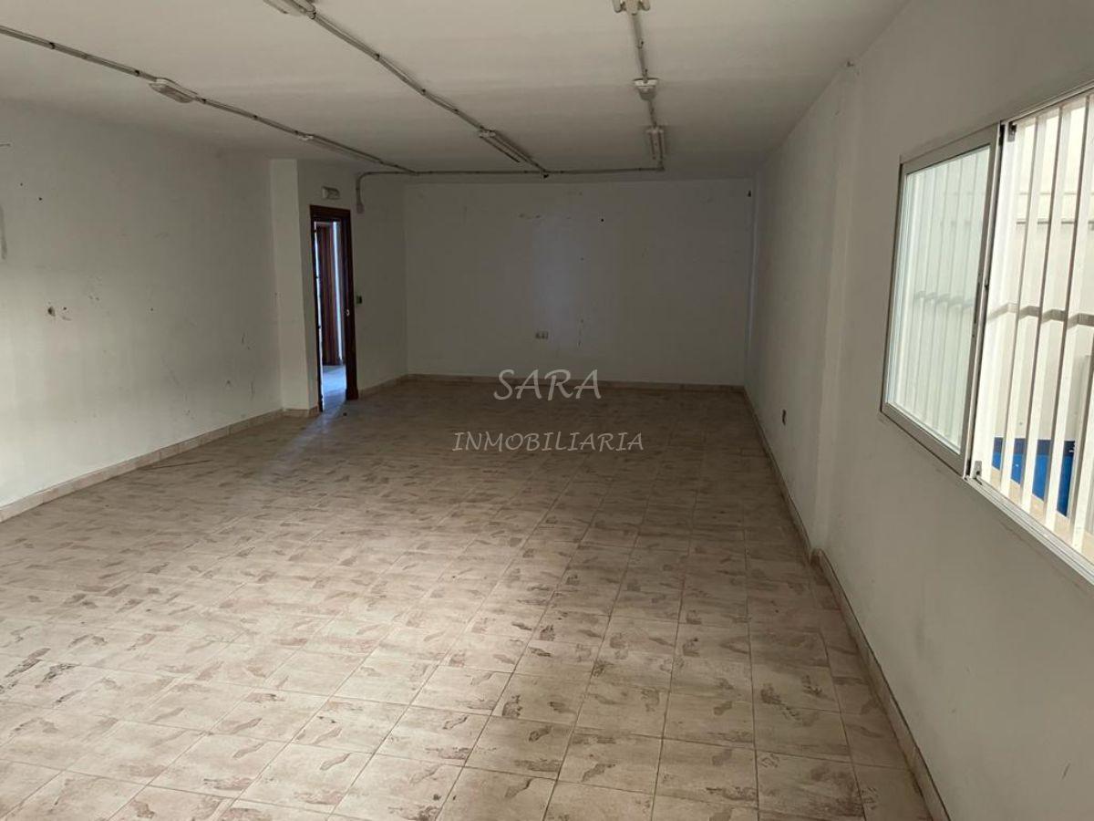 For sale of industrial plant/warehouse in Roquetas de Mar
