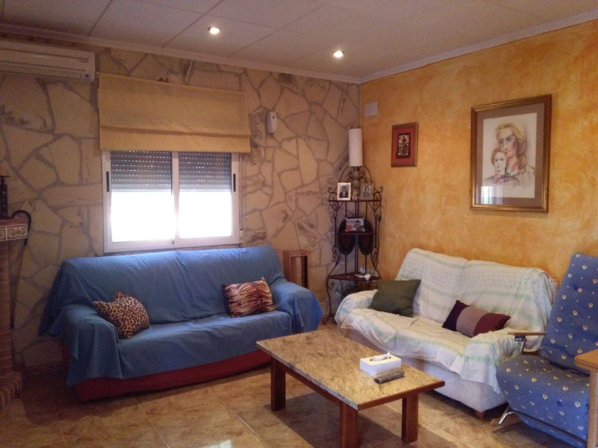 For sale of chalet in Crevillent