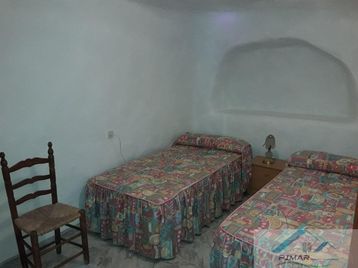 For sale of house in Freila