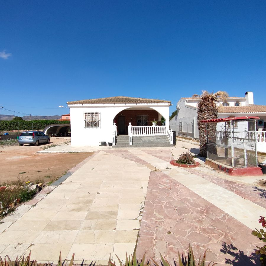 For sale of chalet in La Romana