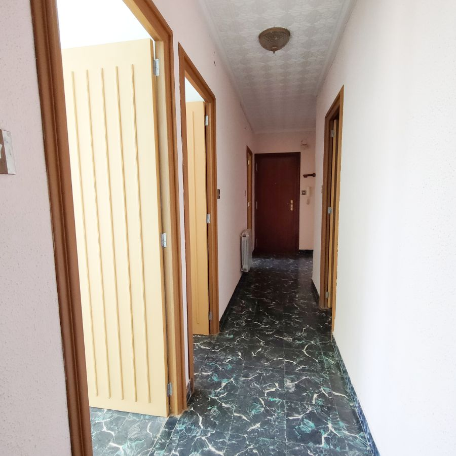 For sale of apartment in Petrer