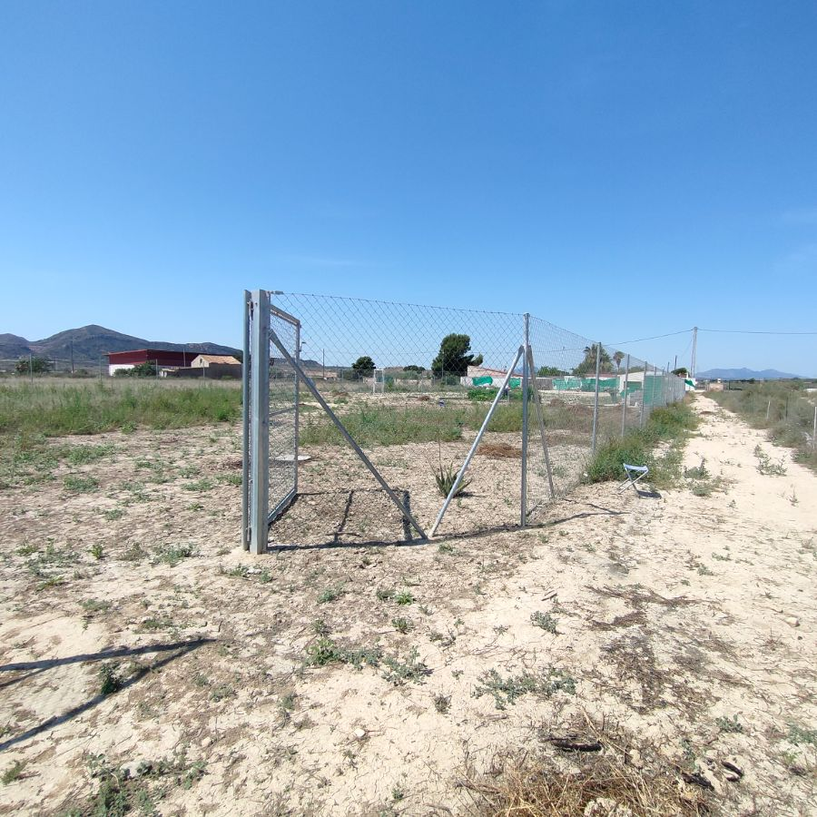 For sale of land in Agost