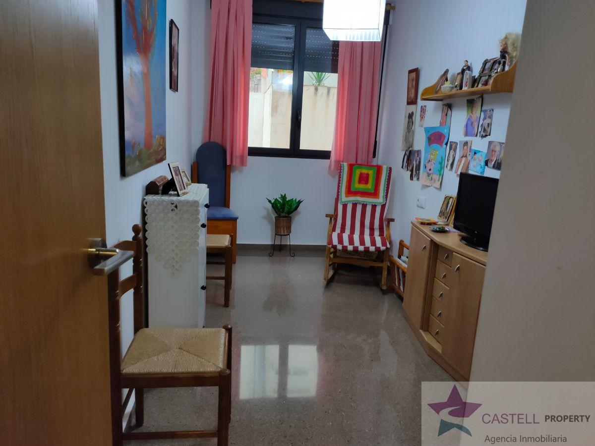 For sale of flat in Petrer