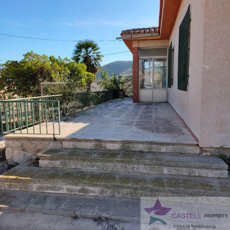 For sale of chalet in Agost