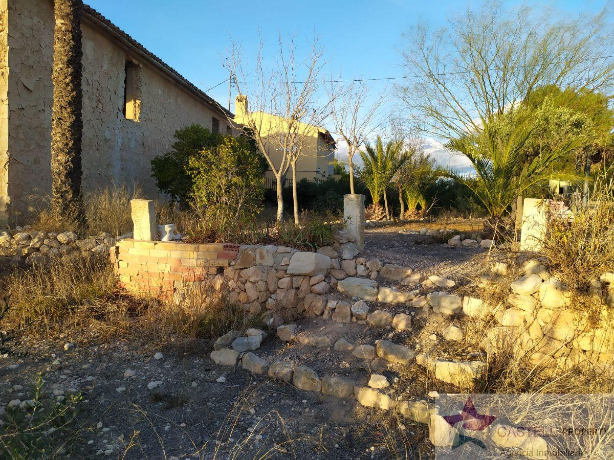 For sale of cellar in Salinas