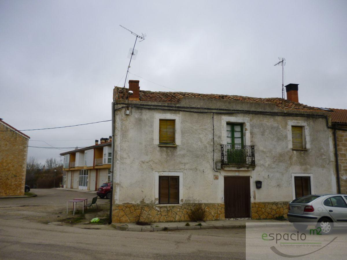 For sale of house in Quintanilla Vivar