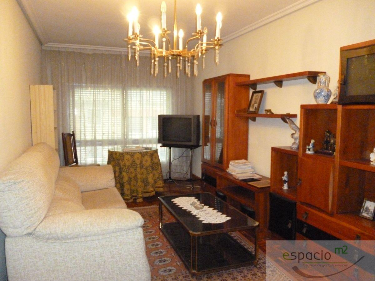 For sale of apartment in Burgos