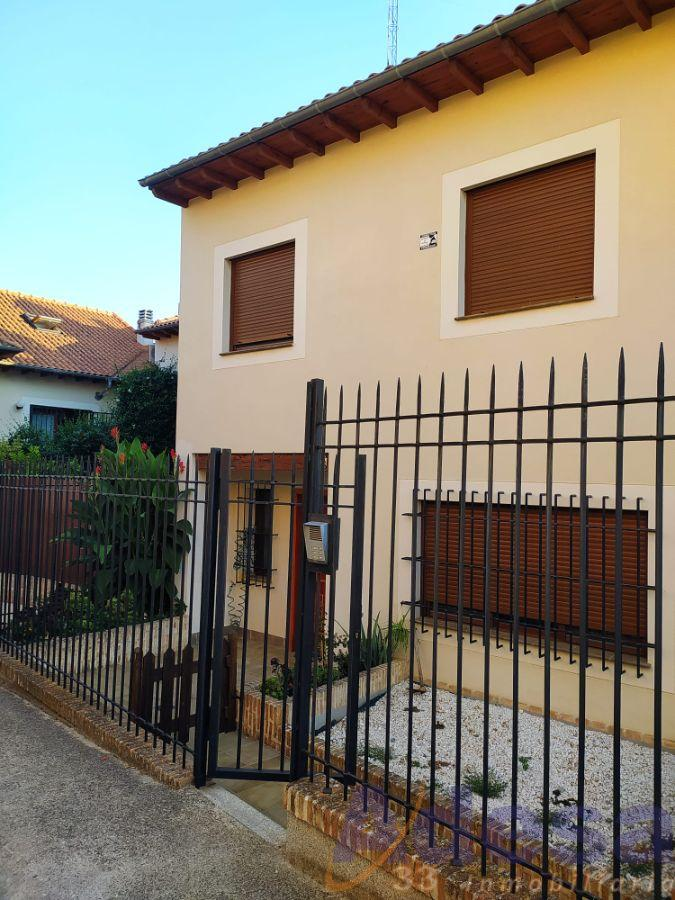 For sale of chalet in Navalcarnero