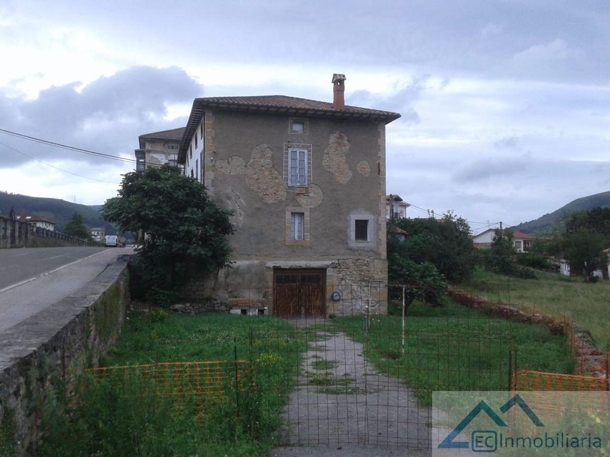 For sale of chalet in Corvera de Toranzo