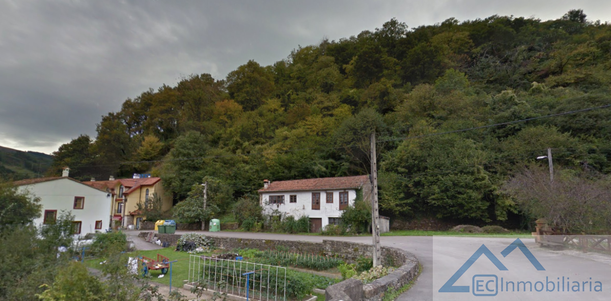 Venta de chalet en Corvera de Toranzo