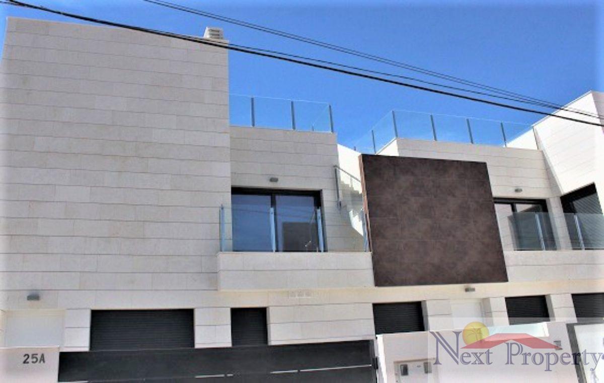 Zu verkaufen von duplex in  Pilar de la Horadada