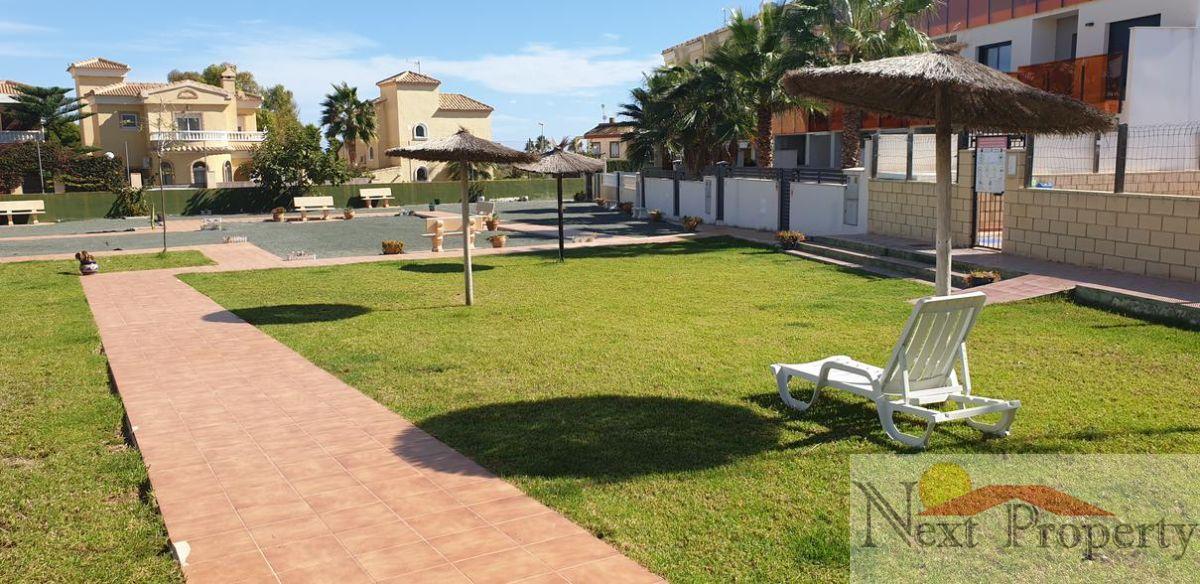 Myynti  from  rivitalo   sisään   Orihuela Costa