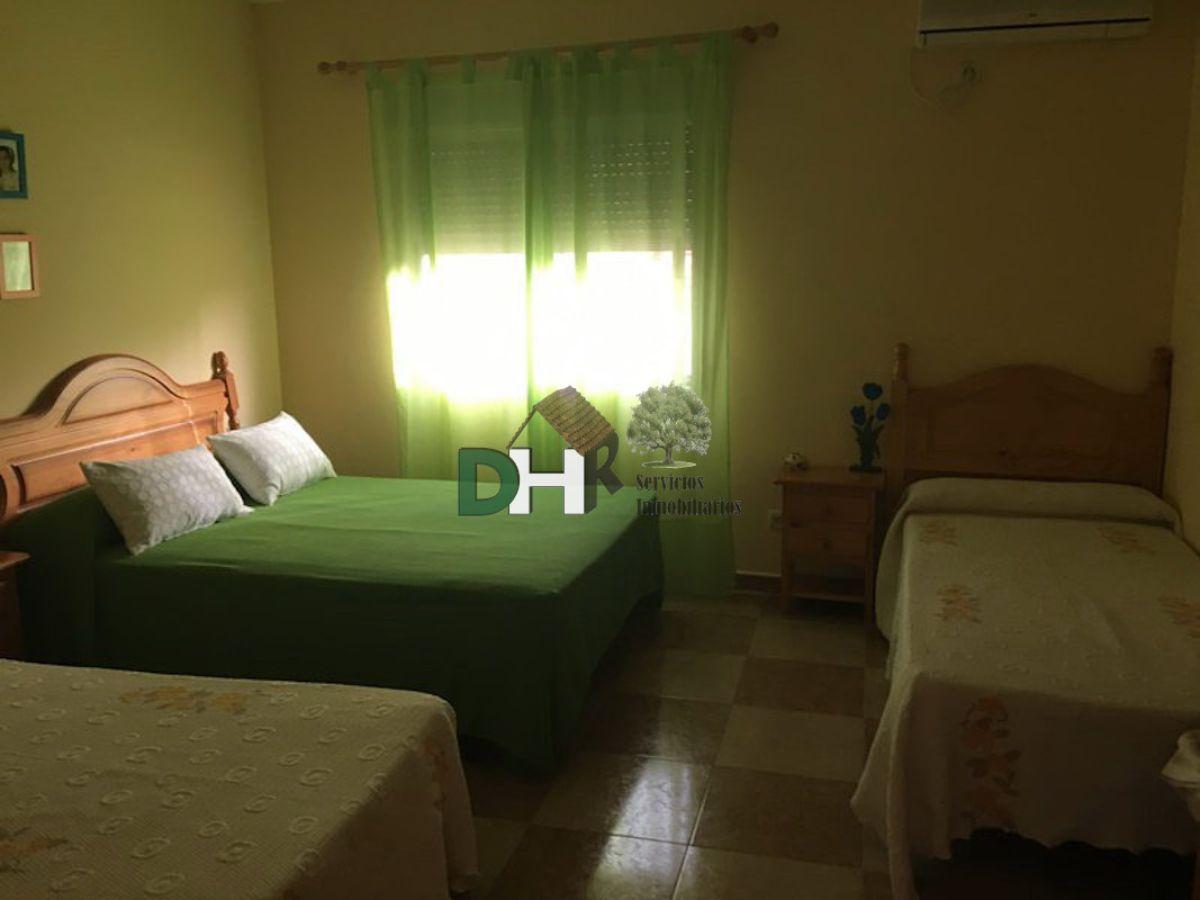 For sale of house in Herguijuela