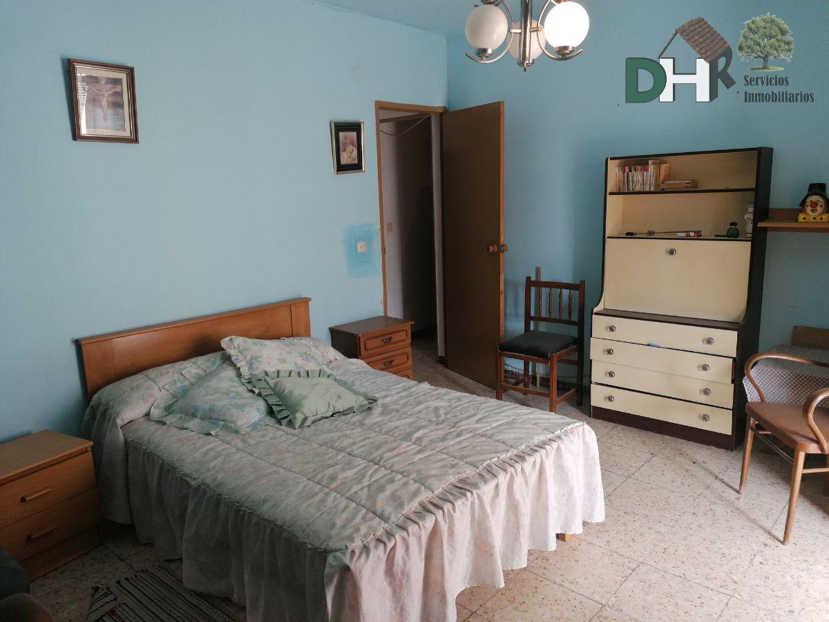 For sale of house in Casar de Cáceres
