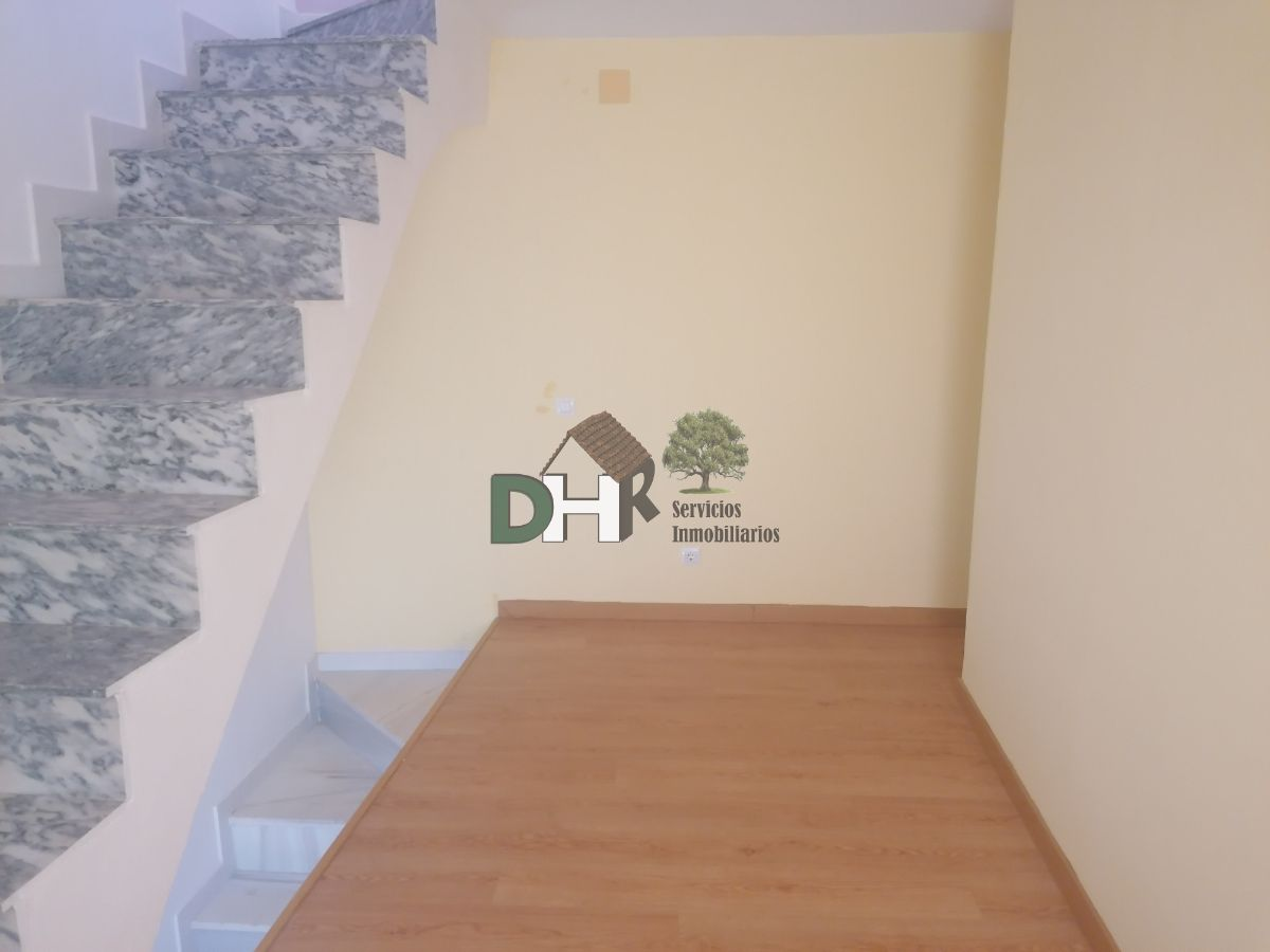For sale of house in Montánchez