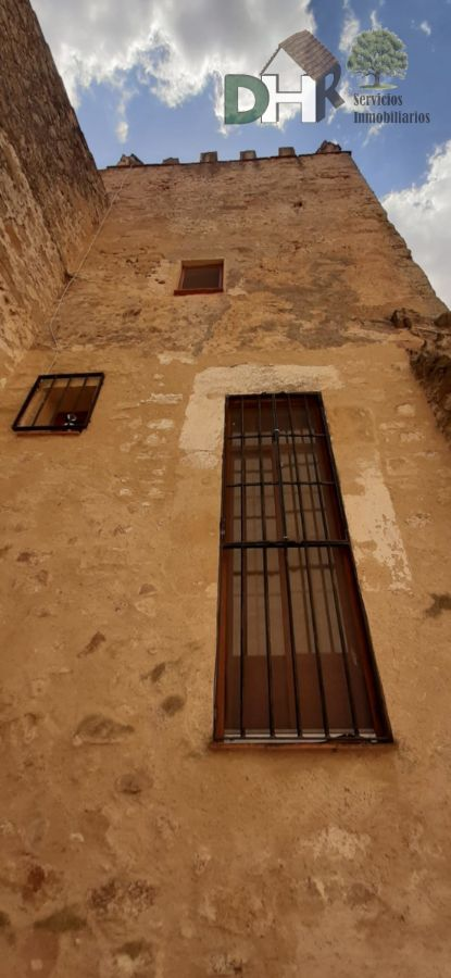 For sale of house in Trujillo