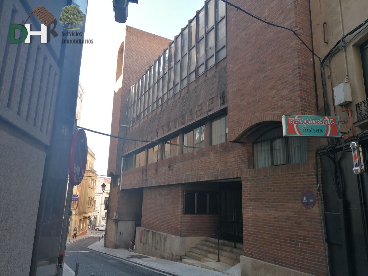 For sale of building in Cáceres
